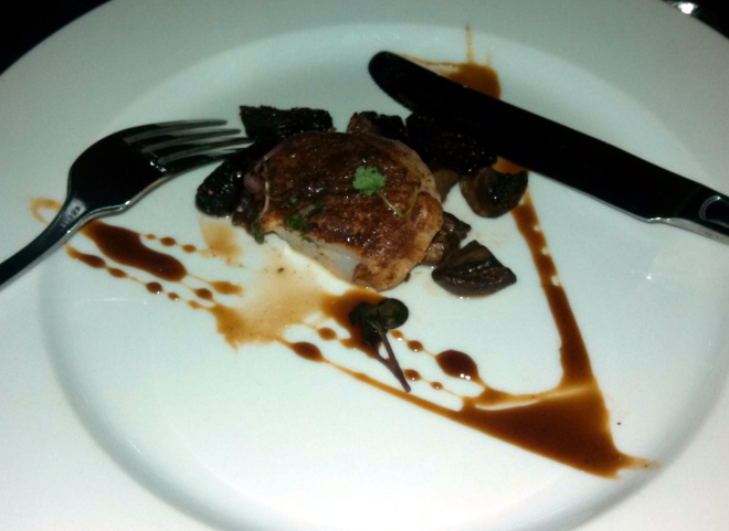 first course - Cocoa dusted sea scallop with roasted wild mushrooms and fig syrup. Paired with 2002 Onyx